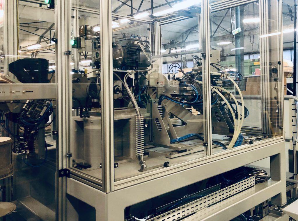 Une nouvelle machine d'assemblage de bobines 100% carton